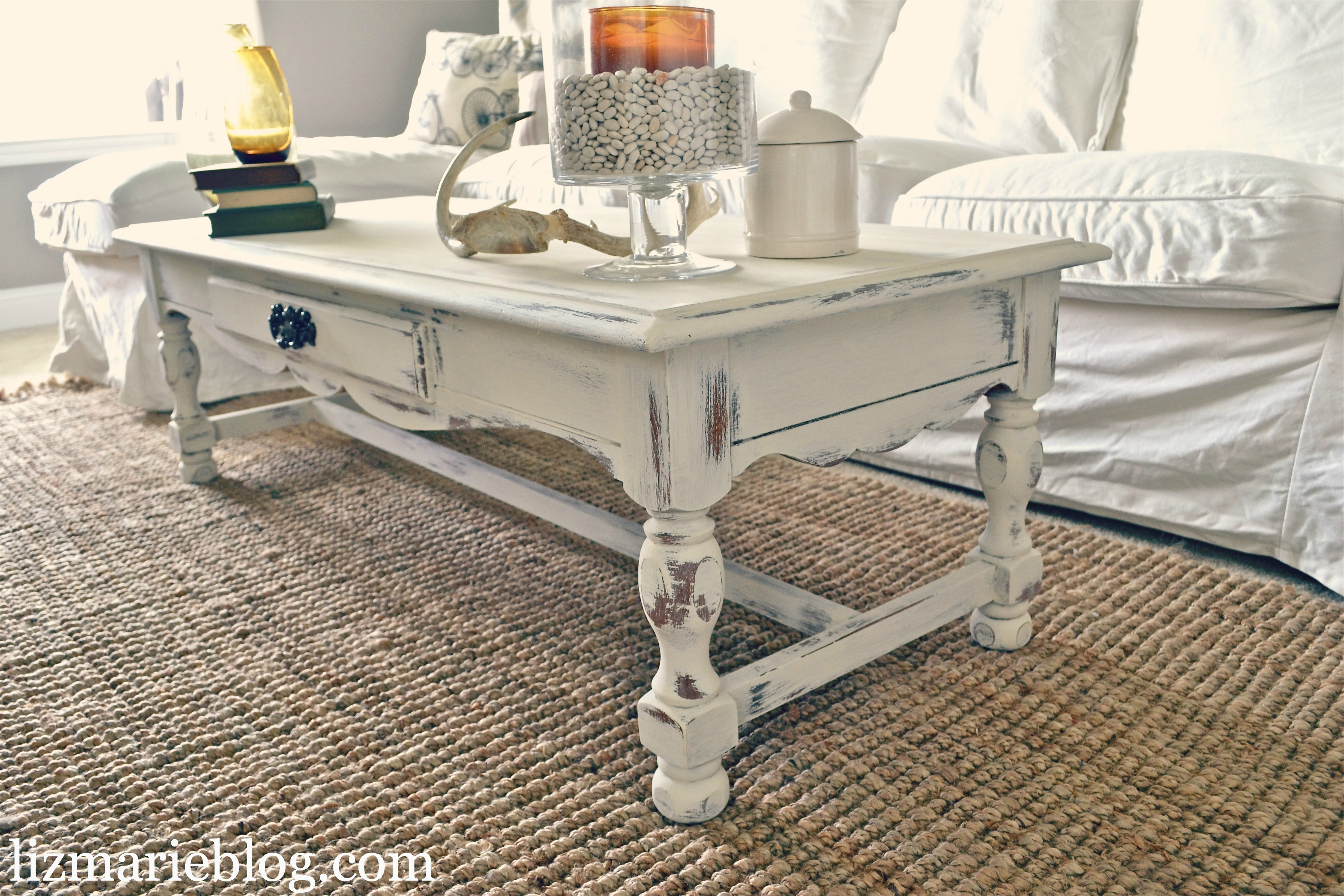 shabby little coffee table. Black Bedroom Furniture Sets. Home Design Ideas