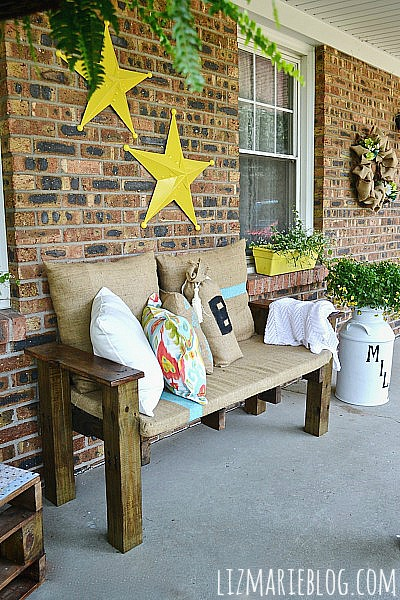 Summer Porch-DIY Pallet Furniture
