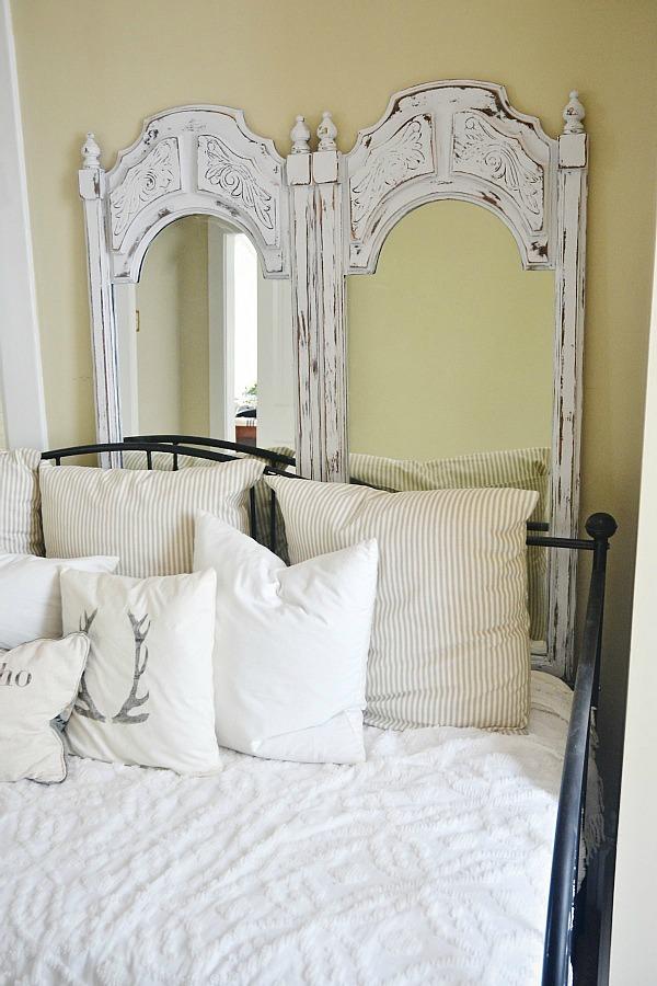 Painted mirror makeover - lizmarieblog.com