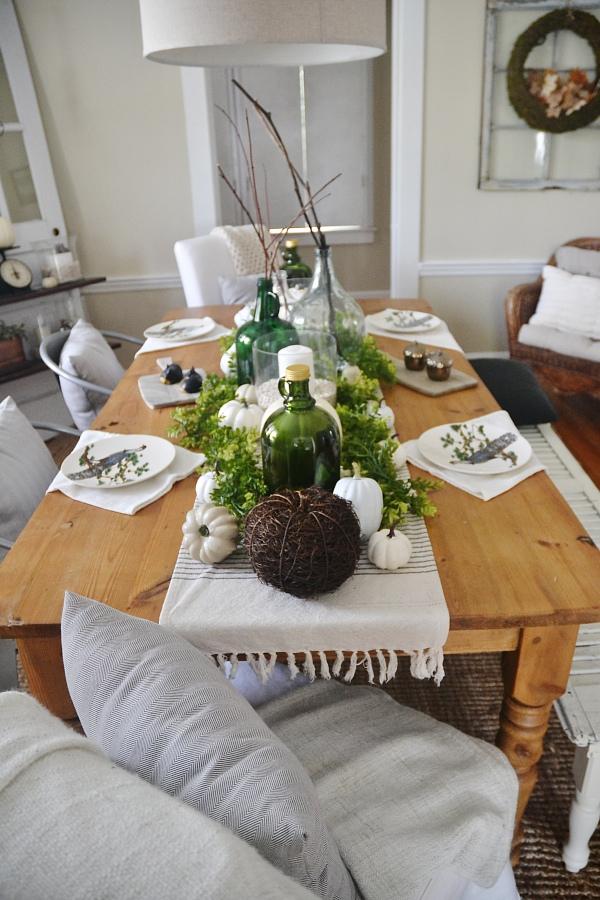 Fall Dining Room – LMB Rental