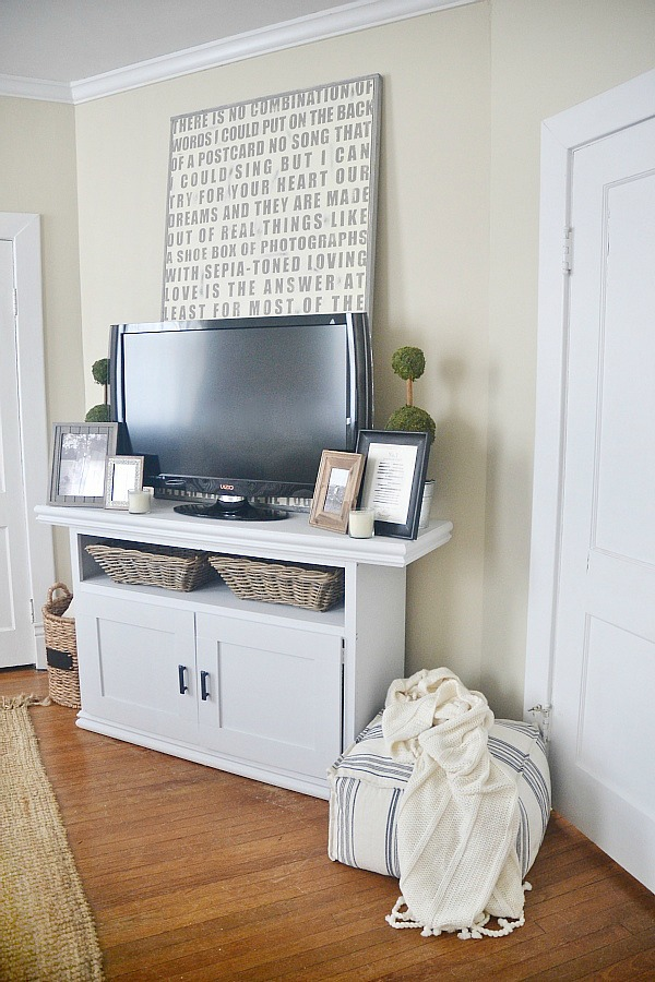 Liz Marie Blog, DIY TV Console