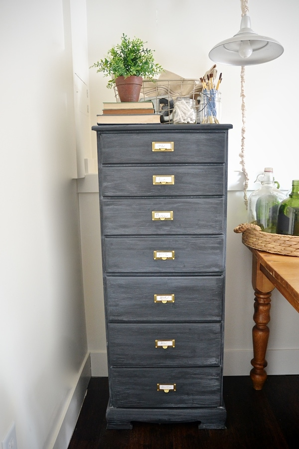 DIY antique office drawers makeover - Such a great before & after & step by step on how to get this look! A must pin!