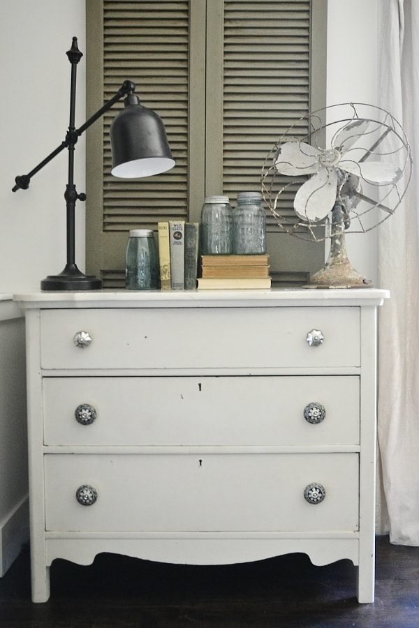 The Most Simple Dresser Makeover