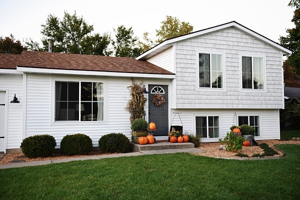 Michigan house makeover new siding before after for Tri level home makeovers