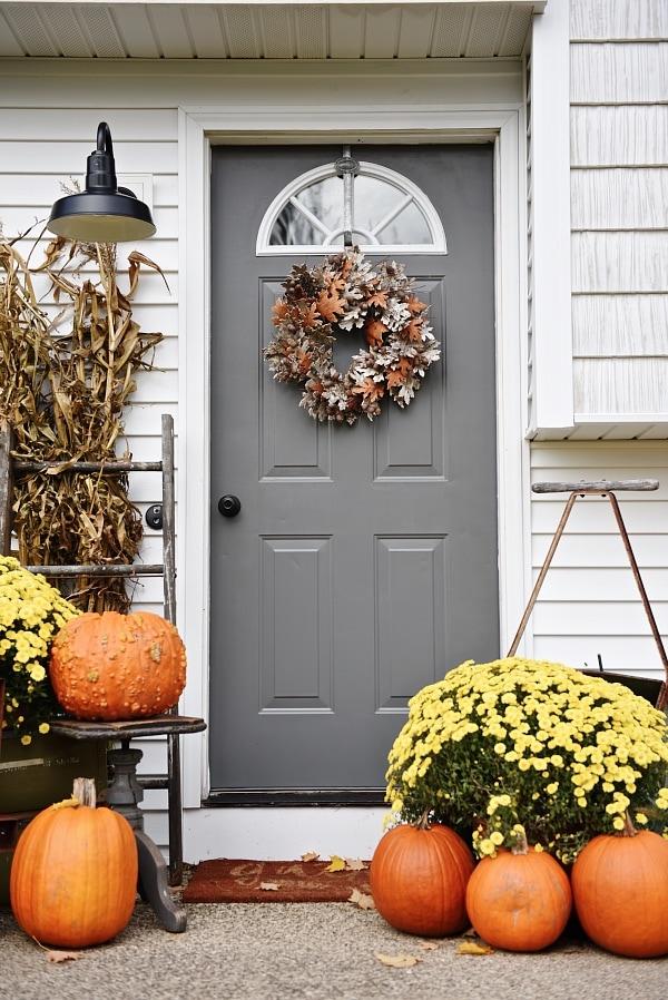 Simple Fall Stoop Front Door Makeover