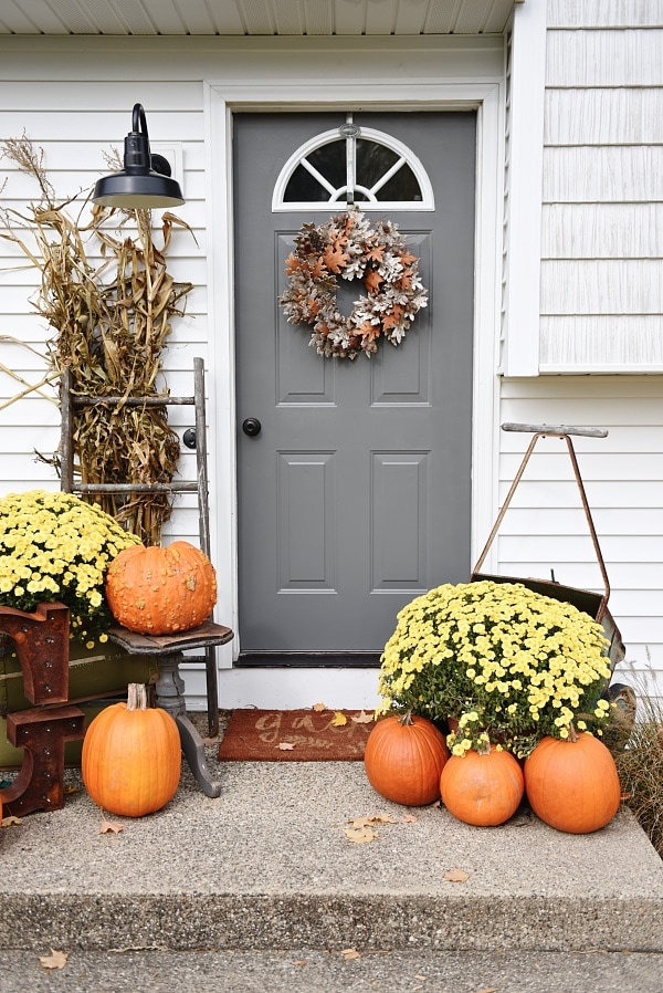 Simple Fall Stoop & Front Door Makeover