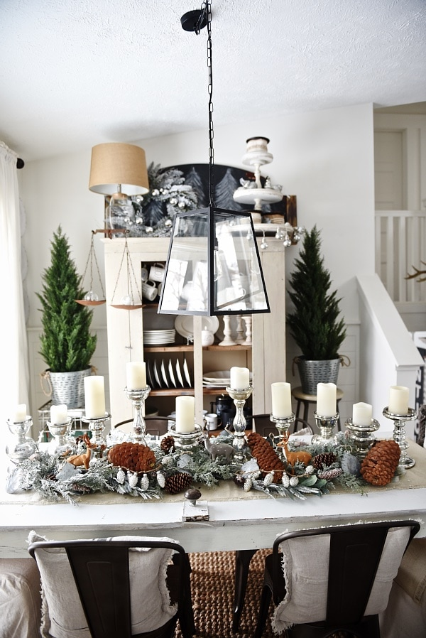 rustic winter woodland christmas dining room - Great rustic christmas & winter decor inspiration .