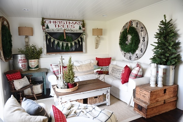 Cozy Cottage Living Room cozy rustic christmas cottage living room - liz marie blog