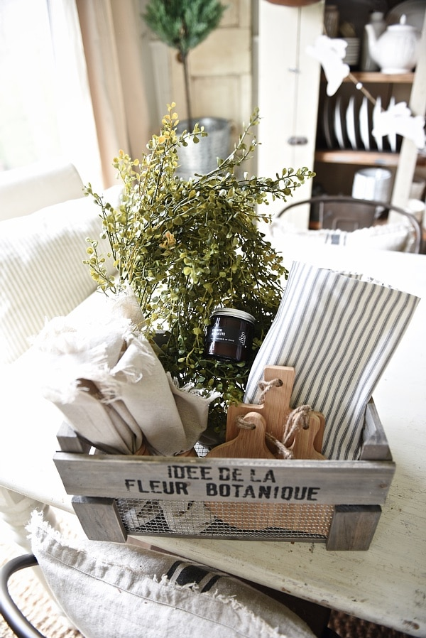 Gable Lane Crates – Farmhouse Style Dining Room
