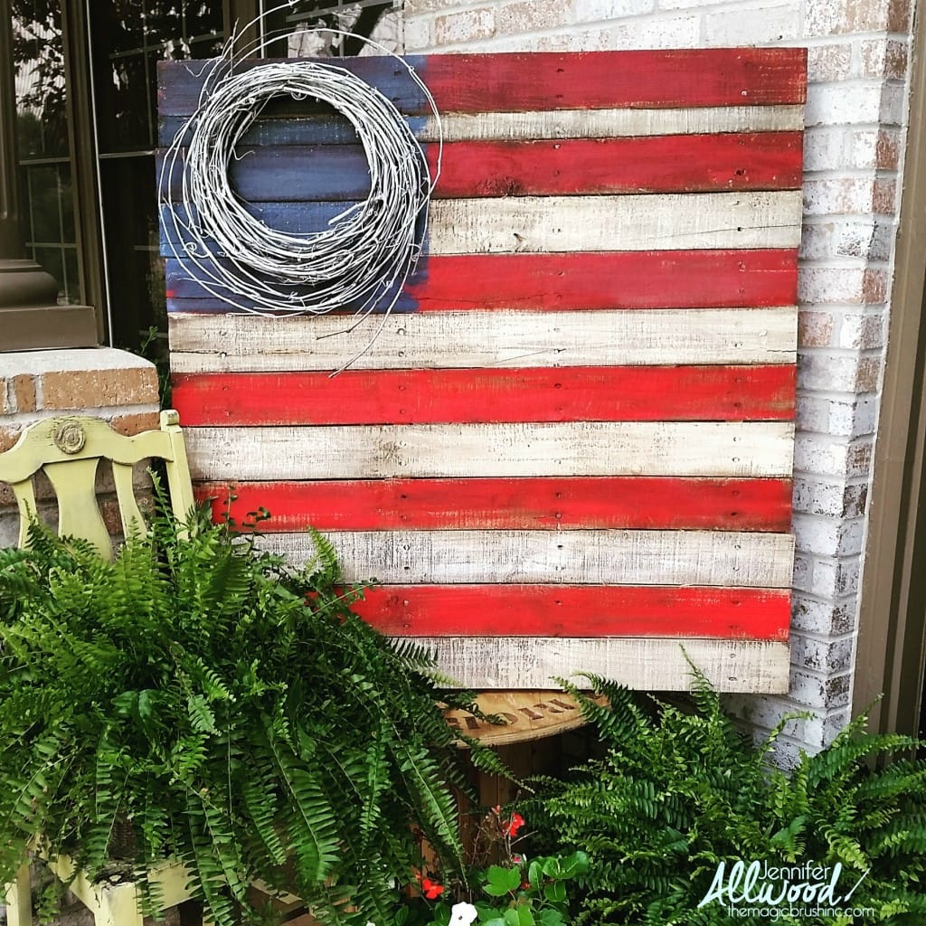 pallet-flag-with-grapevine-wreath-1024x1024
