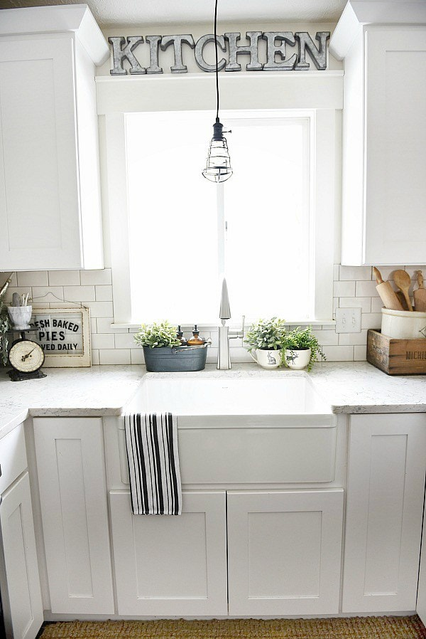 How to give any house farmhouse style liz marie blog for How to decorate a kitchen counter