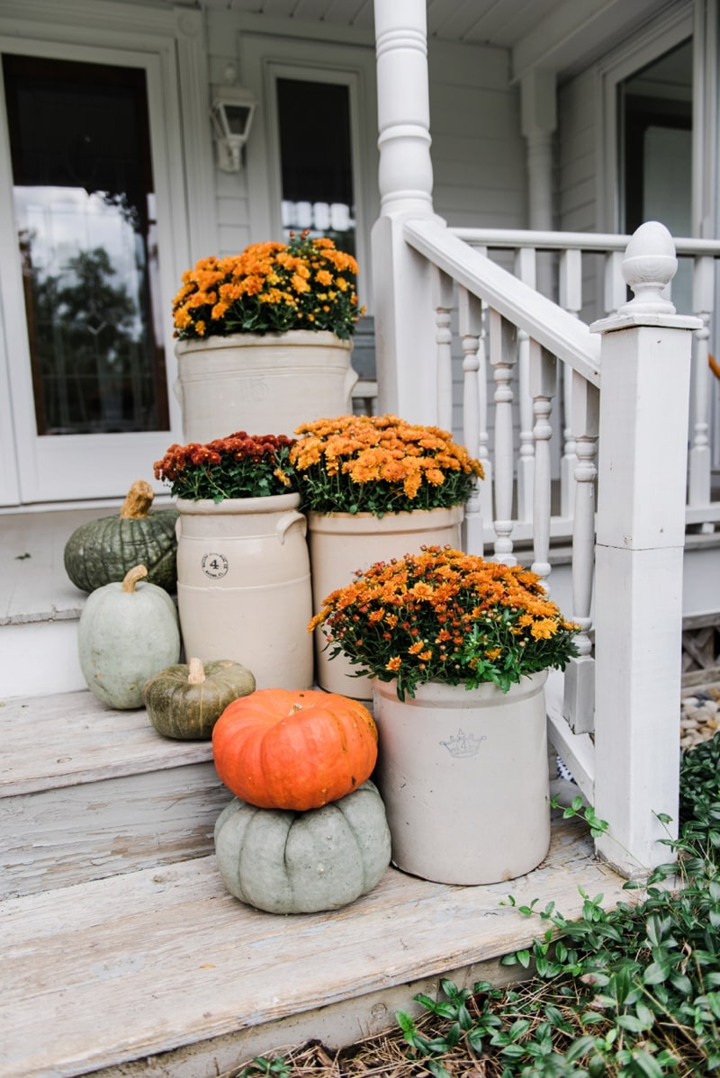 crocks mums farmhouse fall steps liz marie blog
