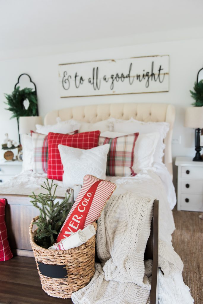 Best 25  Farmhouse Christmas Decor