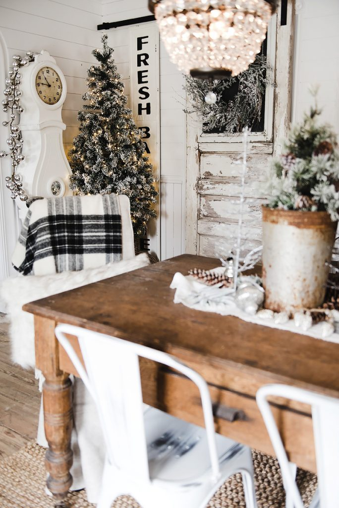 How To Decorate Your Kitchen Table For Christmas