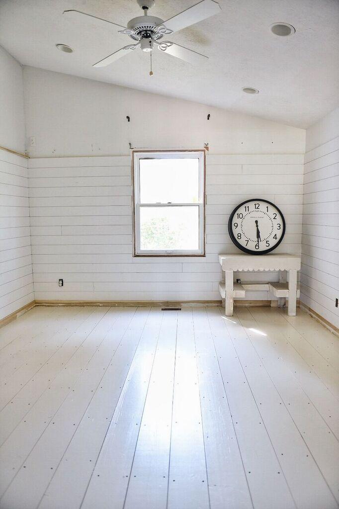 We Painted The Guest Bedroom Floors!