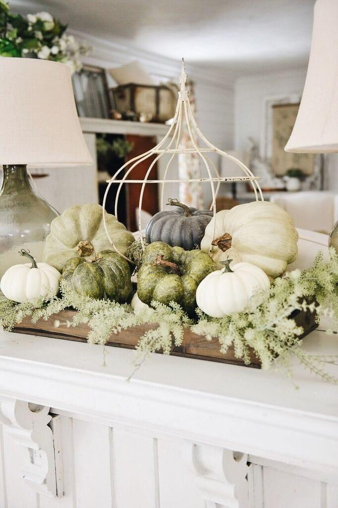 simple fall crate centerpiece liz marie blog. Black Bedroom Furniture Sets. Home Design Ideas