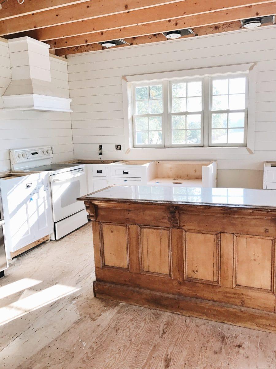 Kitchen Progress – We Have Cabinets!!