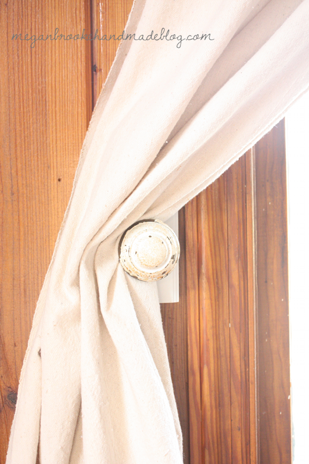 DIY-Curtain-Tie-Backs-Close-Up