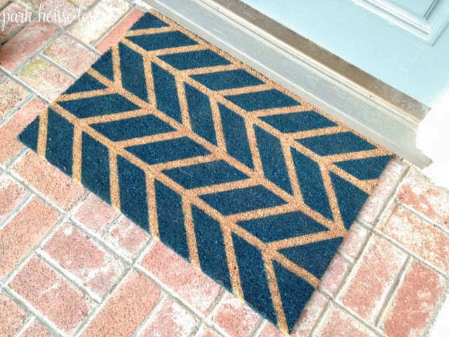 rustoleum-night-tide-spray-painted-herringbone-chevron-doormat-closeup