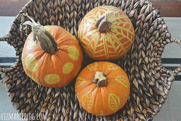 DIY quick painted pumpkins- lizmarieblog.com
