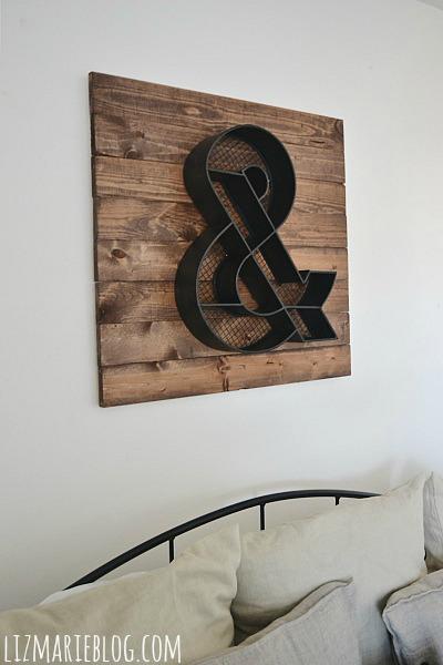DIY wood pallet art - lizmarieblog.com