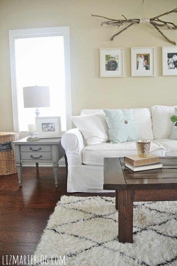 Mountain smoke end table makeover & a gorgeous neutral living room - lizmarieblog.com