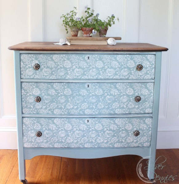 duck_egg_blue_chalk_paint_dresser-582x600-1