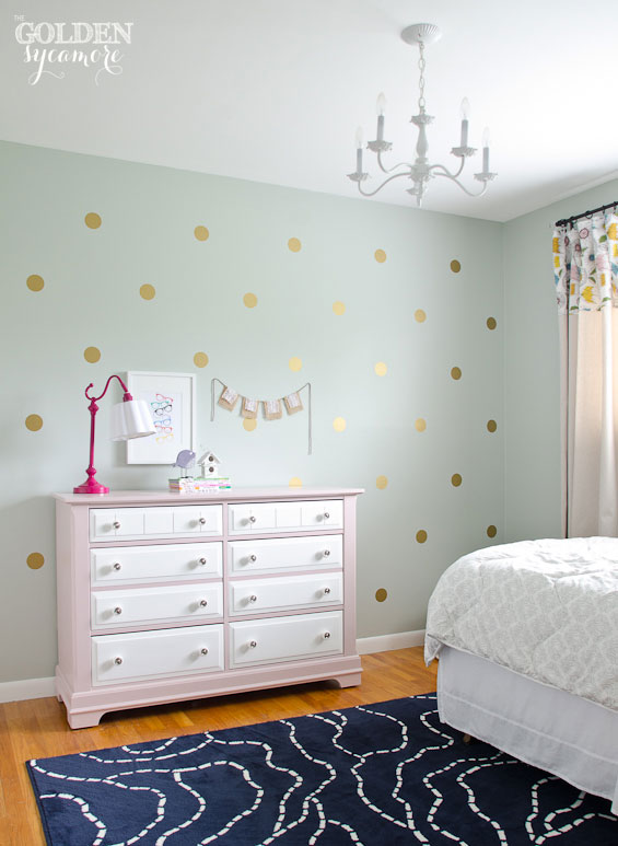 little-girls-cottage-style-bedroom-makeover1