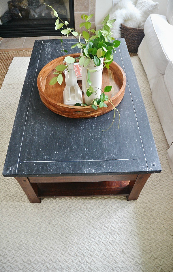 DIY chalkboard top coffee table makeover - Such an easy way to give any table a quick makeover & to cover up any blemishes!