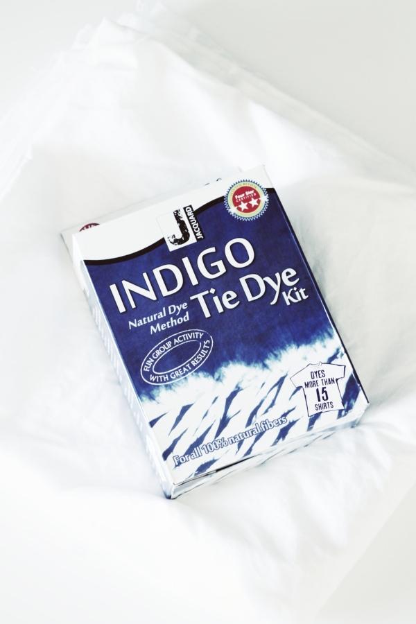 DIY Shibori Pillow - So easy & FUN to make!