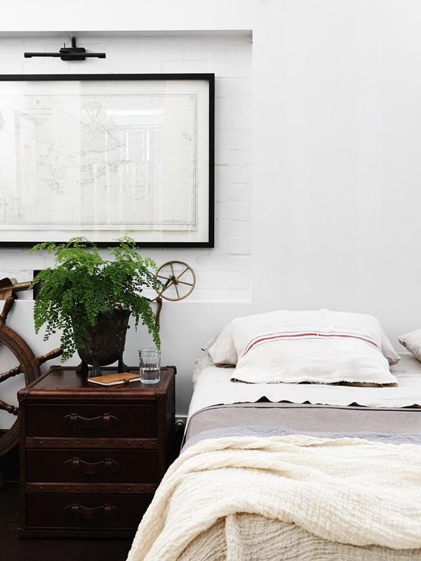 VickiWood-bed
