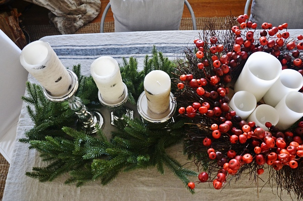 DCozy Rustic Christmas Dining Room - Christmas centerpiece, DIY wreaths, candles, texture, & more. A must pin for Christmas dining room inspiration!