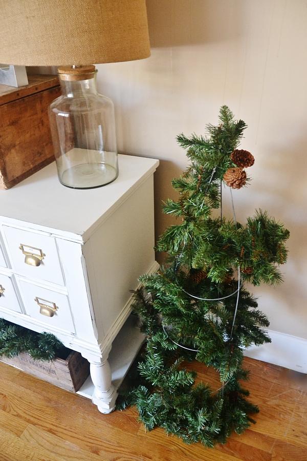 tomato cage christmas tree, DIY Rustic Tomato Cage Christmas Trees