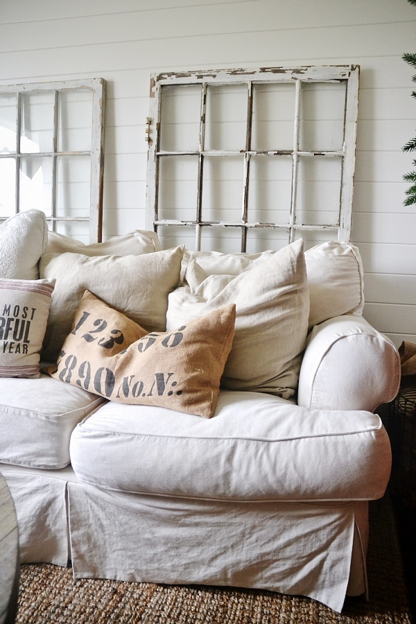 Simple Cozy Cottage Living Room - lizmarieblog.com