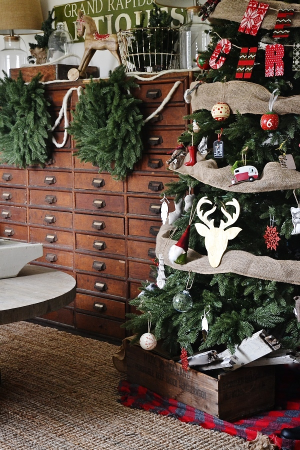 Eclectic cottage Christmas tree - See where to get this realistic looking tree & get inspired to decorate with this antique cottage feel.