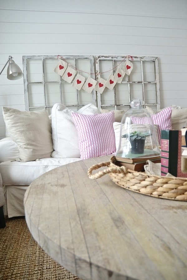Neutral rustic valentines day living room - Great inspiration & DIY's to subtly add valentines day to your home.