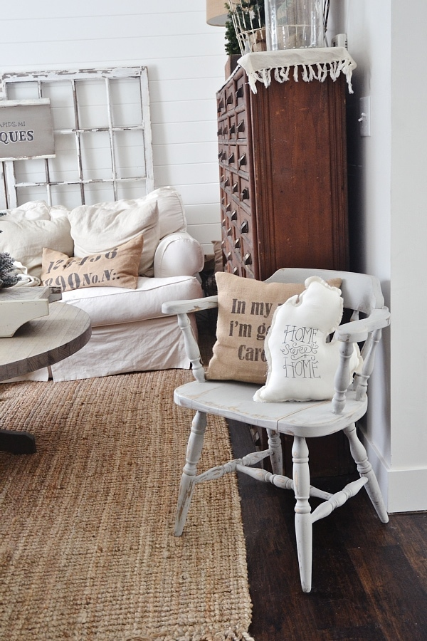 Super easy way to paint furniture with no mess & no fuss! A must pin to make furniture that is being thrown away into a treasure. Also the best neutral light gray paint to use!