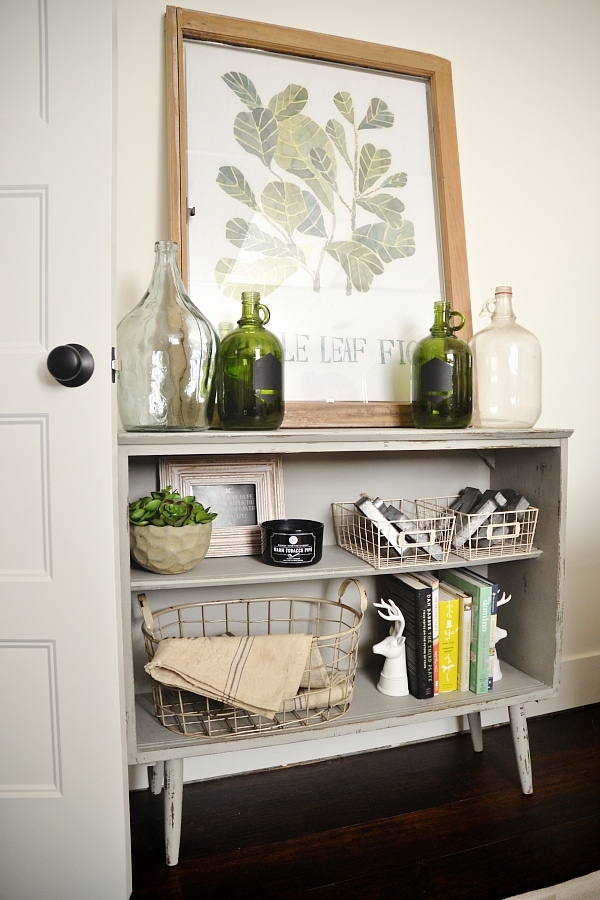 Leggy gray bookshelf makeover with chalk paint.