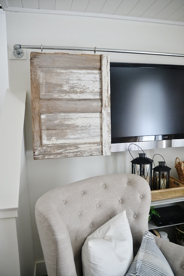 THE BEST WAY TO HIDE THOSE TVu0027S! A Super Simple Industrial Pipe Sliding Barn  Door