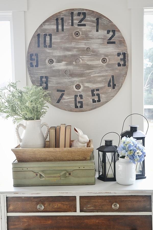 DIY wood pallet clock - Super easy DIY!