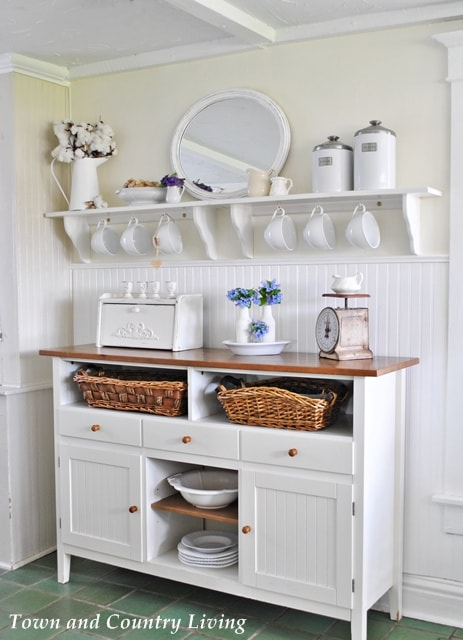 Bluebells-in-the-Farmhouse-Kitchen