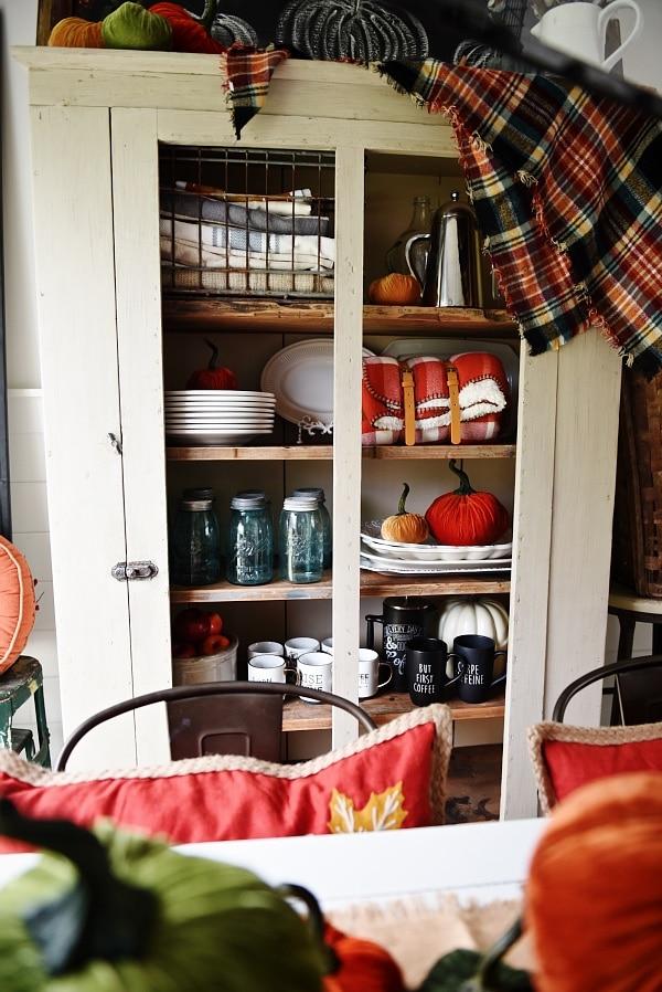 velvet pumpkin, Velvet Pumpkin Fall Dining Room