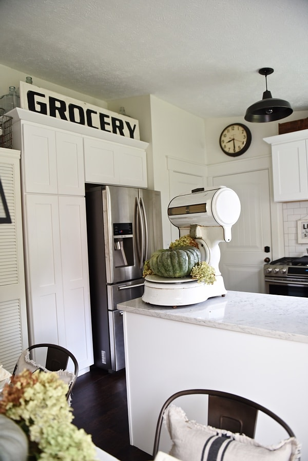 Antique grocery scale - Neutral Farmhouse kitchen