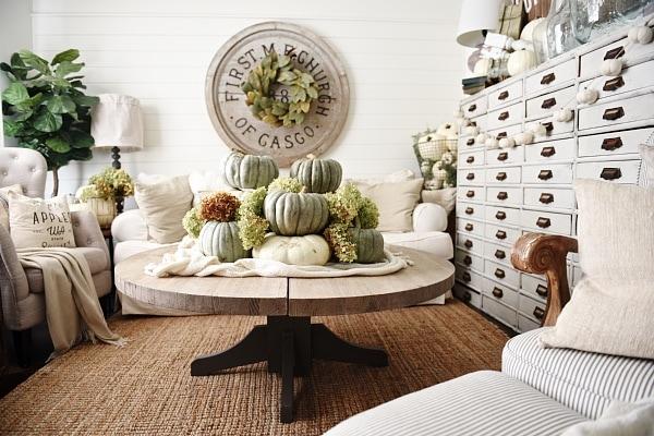 Neutral fall home decor - Heirloom pumpkin coffee table