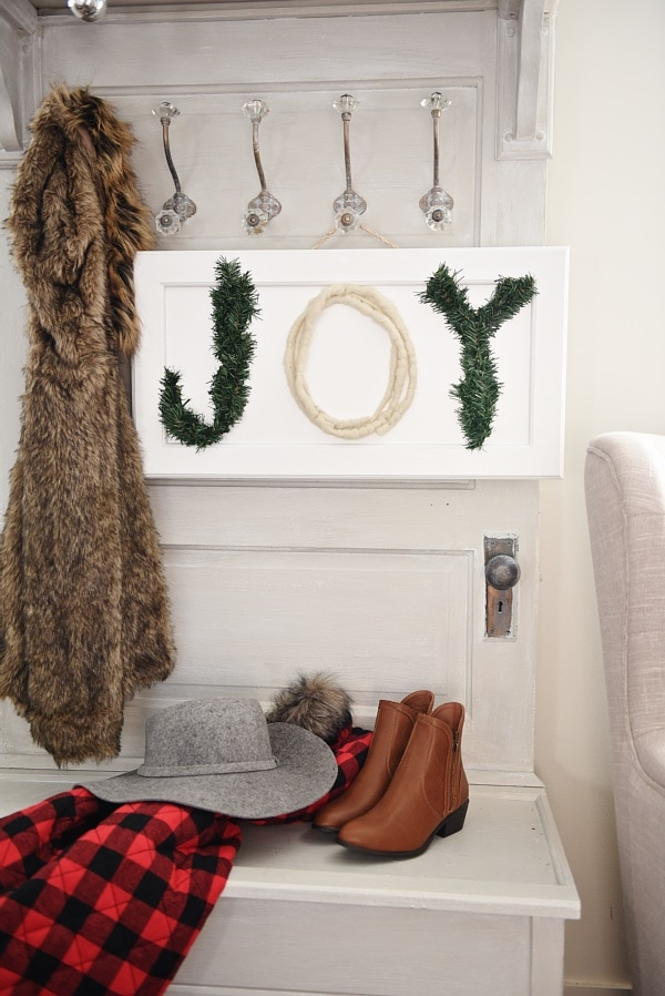 DIY Joy sign using Christmas garland scraps - great simple Christmas craft!