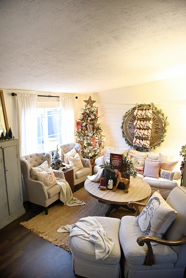 Cozy Cottage Christmas Living Room