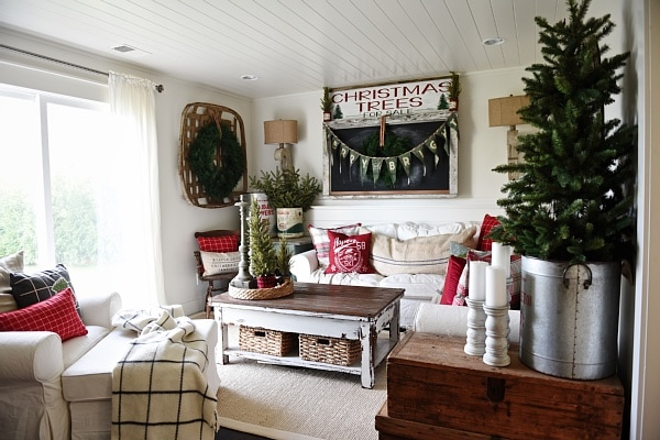 Cozy Rustic Cottage Christmas Living Room - A great pin for Christmas decor inspiration!