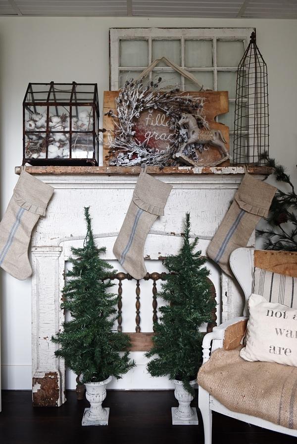 neutral Christmas mantel, Guest Bedroom Mantel – Neutral Christmas Mantel
