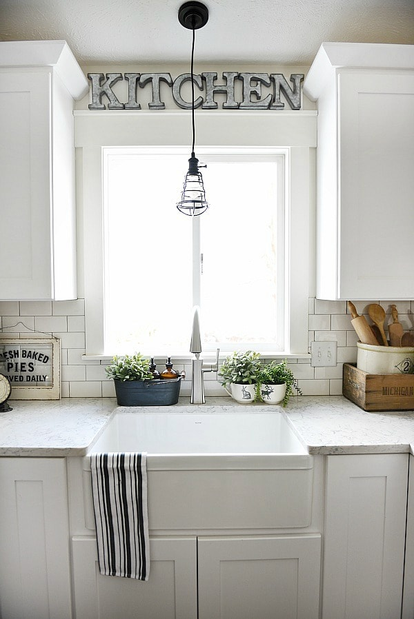 Farmhouse sink pros & cons - A MUST read before getting a farmhouse sink!