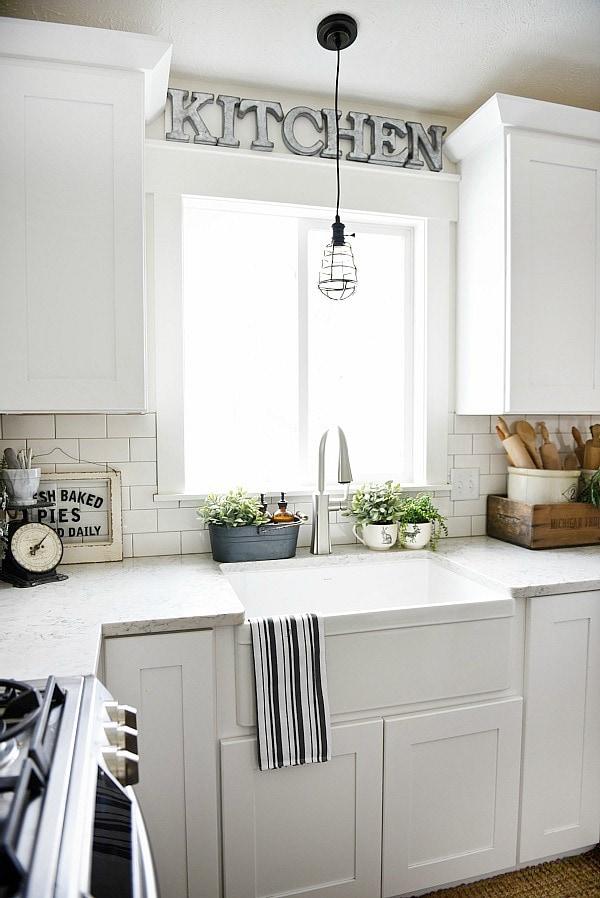 Apron Sink, Farmhouse Sink Review – Pros & Cons